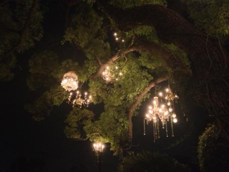 chandelierdarkcu